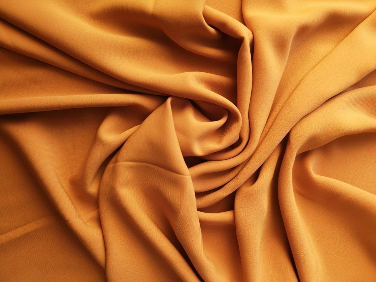 hiyan georgette color ocre anaranjado